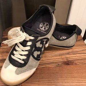 Tory Burch T Logo Lace Up Sneaker/Shoes Size 6.5